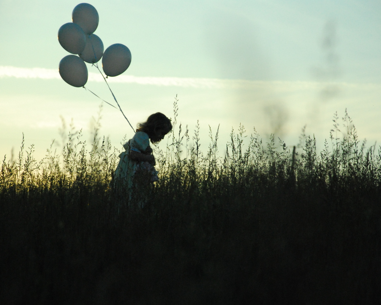 the-girl-with-the-balloons