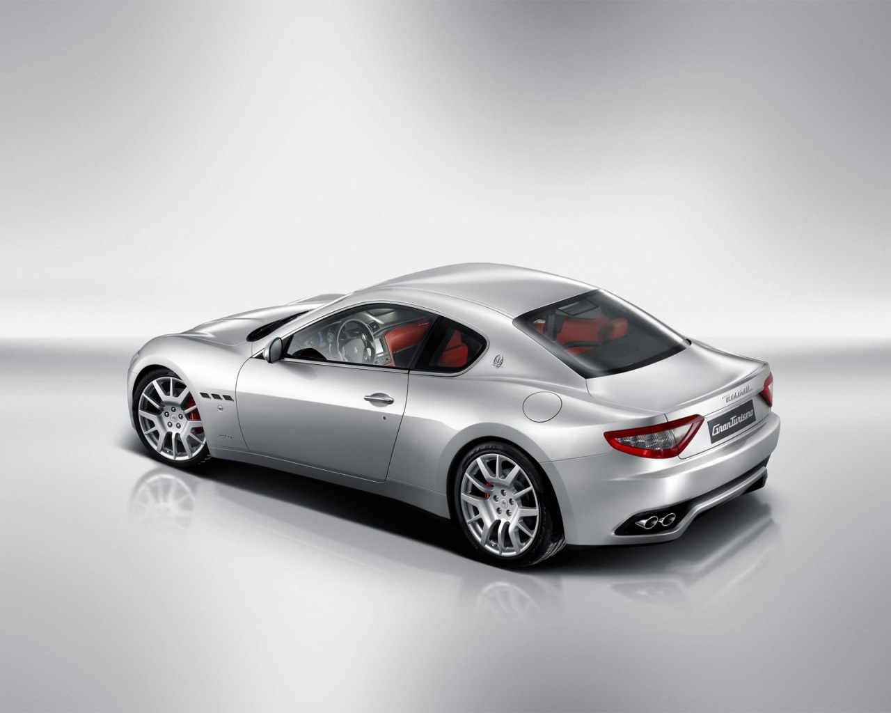 Maserati GranTurismo Rear and Side