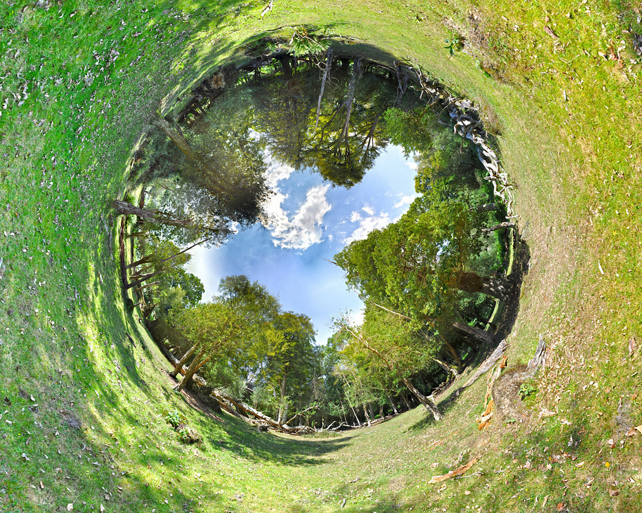 Green circular hole inside the earth
