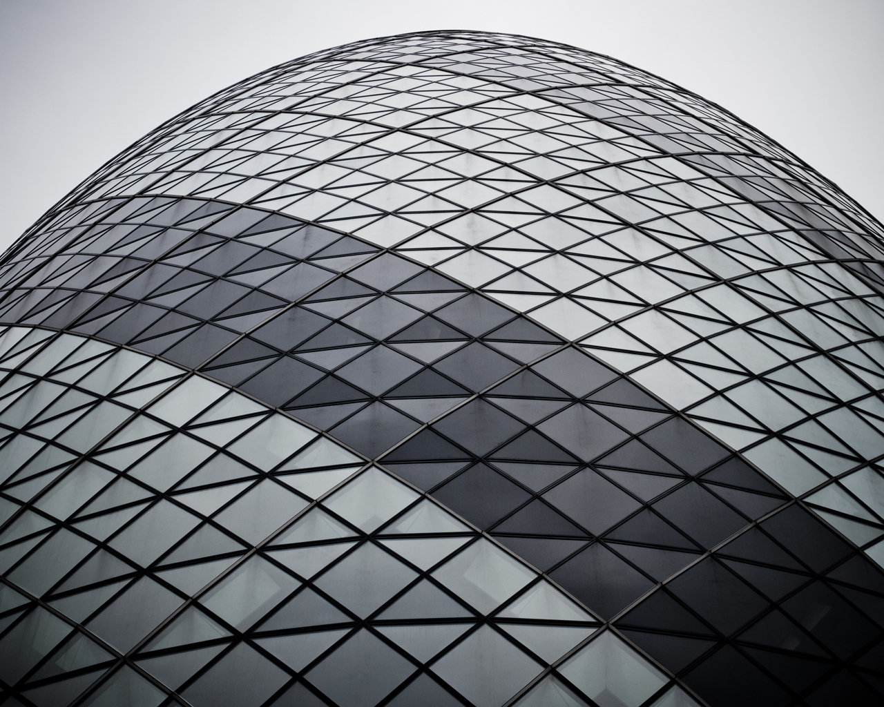 the-gherkin-from-below