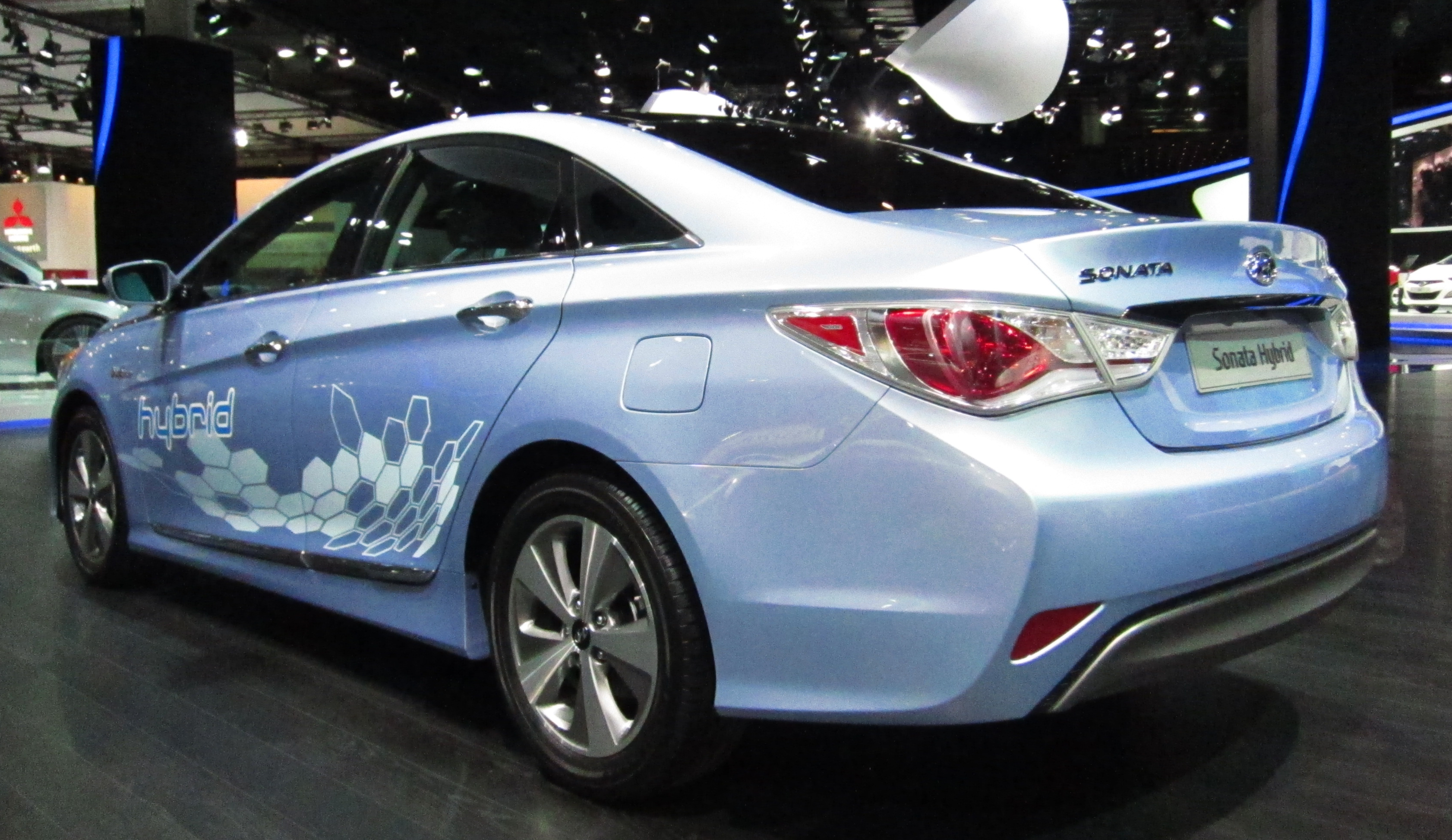 to plugin phev hyundai by canada plug in available end throughout hybrid be sonata