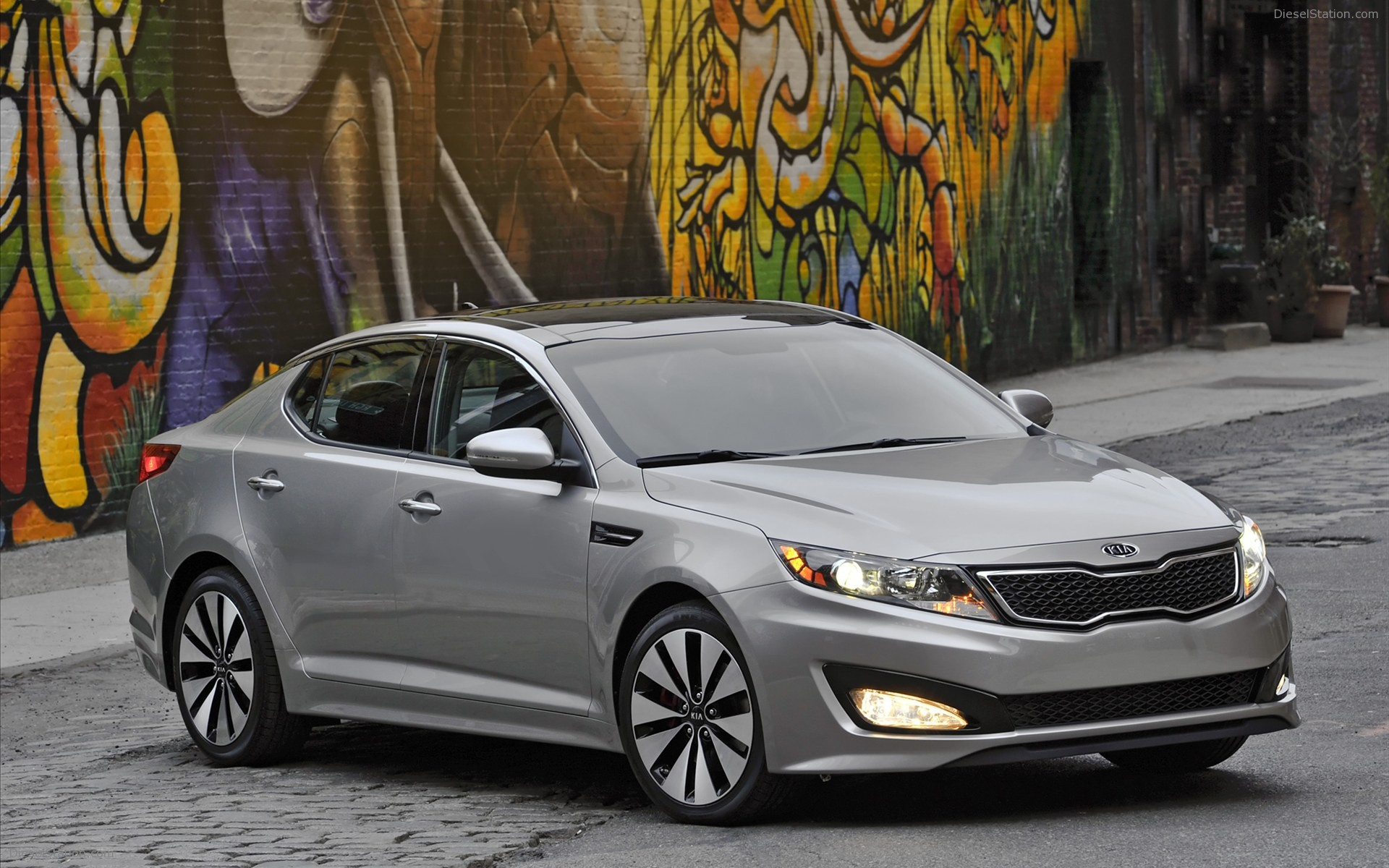 optima cargurus worthy view quarter hybrid kia exterior gallery manufacturer front overview cars pic