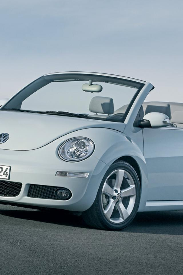 cabriolet beetle volkswagen static front review quarter carbuyer convertible reviews