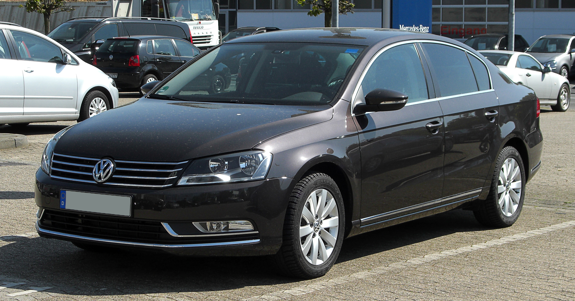 review reviews passat cutout volkswagen carbuyer saloon
